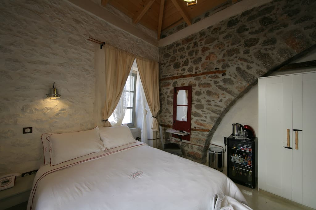 Δικλινο δωματιο με διπλο κρεβατι, πανοραμική