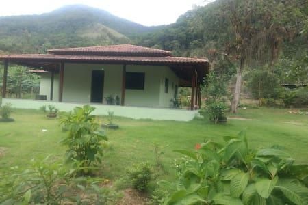 Casa de campo na Cascata/Nova Friburgo