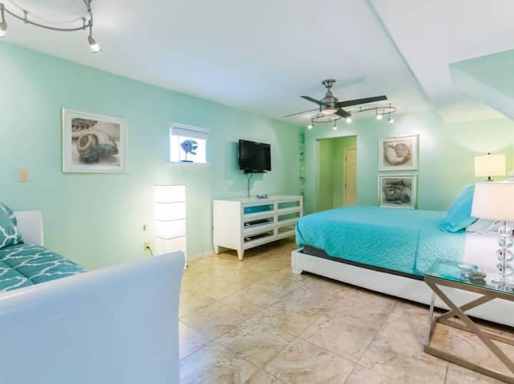 Casa Aloha Ground Floor 1 bedroom - pool/hot tub