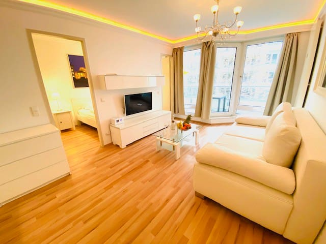 2-Room-2+2 Persons  Berlin-City Brandenburger Gate