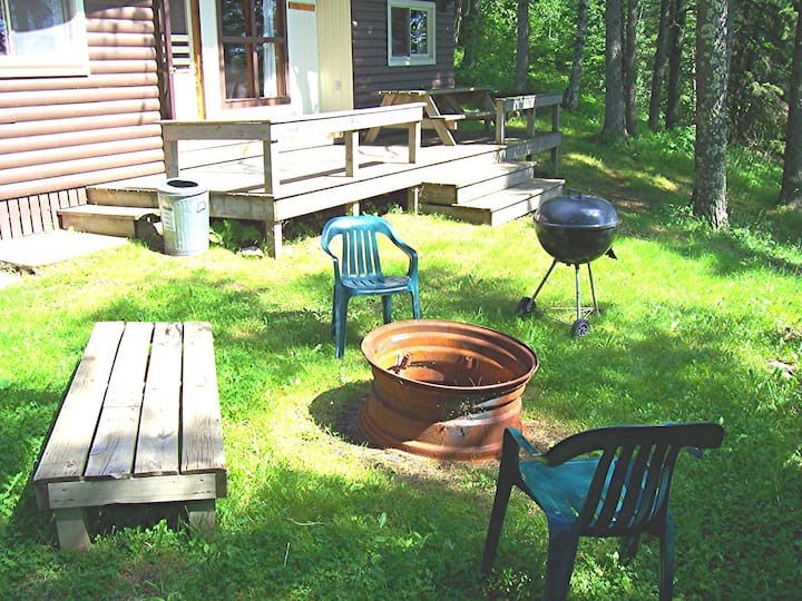 Lakeside Cabin, kayaks, Couples $199, eco-clean