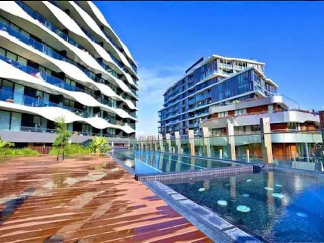 Modern One Bedroom Apartment - Resort Style Living - Abbotsford - アパート