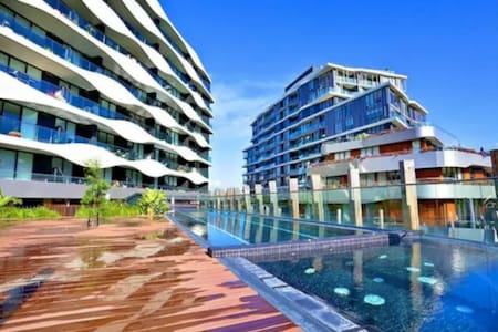 Modern One Bedroom Apartment - Resort Style Living - Abbotsford - Lejlighed