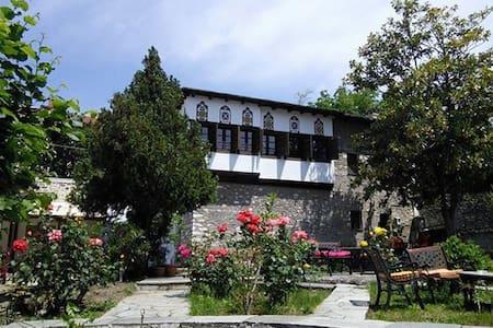 Το παραδοσιακό Αρχοντικό Κλείτσα - Portaria