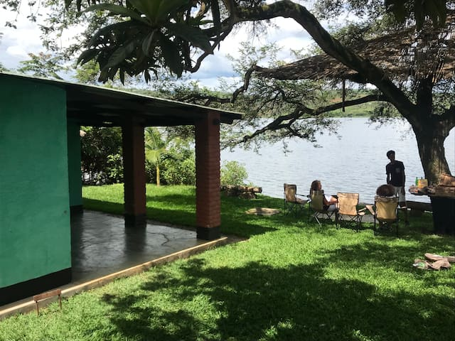 Pili Pili Lake Muhazi retreat