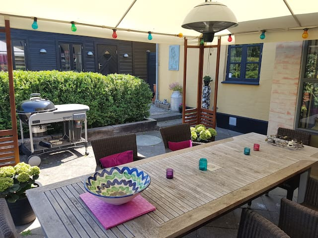 Charming villa with lush garden in lovely Valby