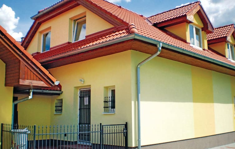 Semi-Detached with 3 bedrooms on 87m² in Liestany
