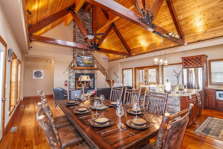 Upscale 4BR/4BA with Mountain Views, Pool Table, and Rustic Finishes