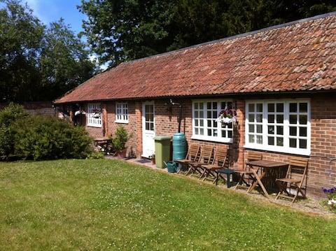 1 Little Court Cottages: a hidden Cotswold gem!