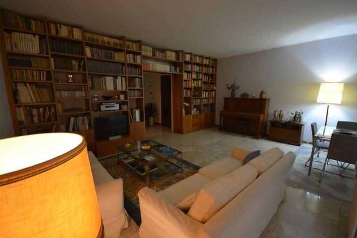 Elegante e spazioso appartamento
