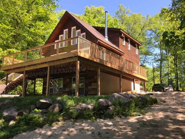 Stunning/Remote Muskoka Cottage