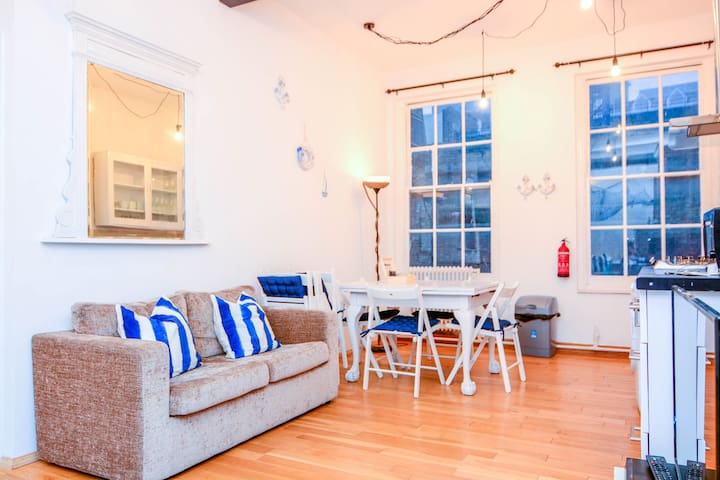 2 Bedroom Apartment in Central London - 137