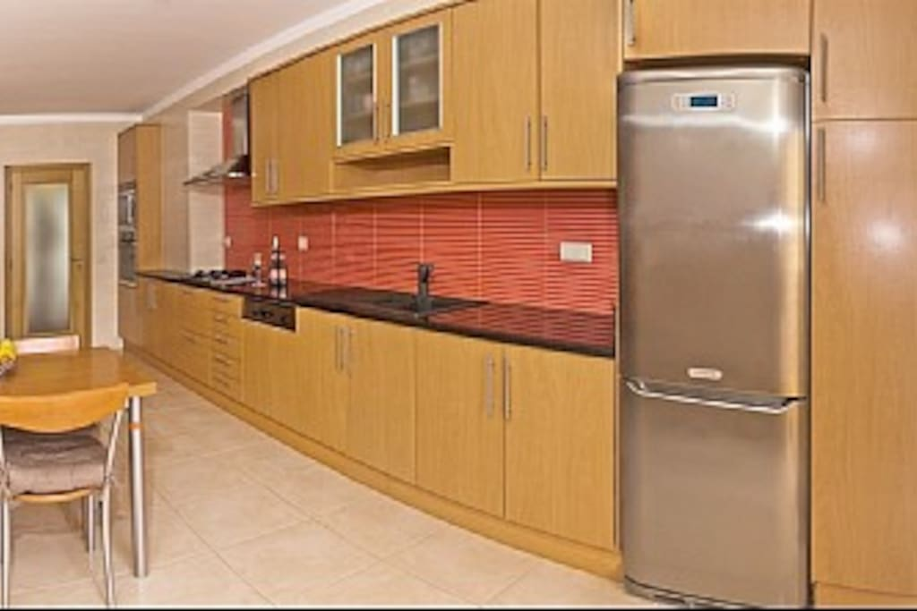 Top quality fitted kitchen