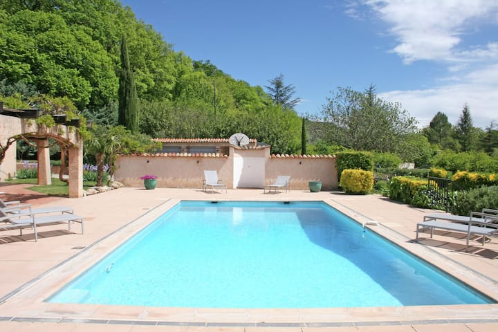 Luxurious Holiday Home in Salernes with Private Pool
