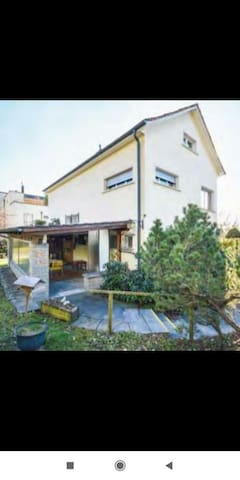 Double room with balcony in house in Zurich city