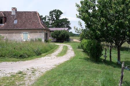 maison de caractère pleine nature, en Périgord - Saint-Crépin-d'Auberoche