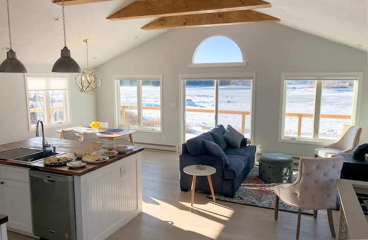 New! Waterfront, Dreamy Sunsets, Newly Renovated