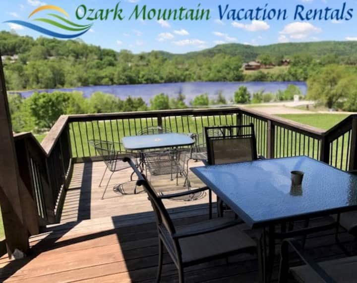 Green Meadow #2, Superb Lake Access, Steps to Marina, Swim Area, View of White River, Pool, Spa Tub