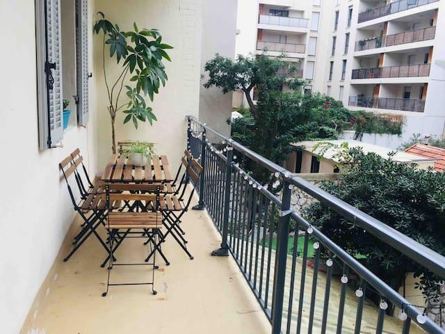 «SixtiesAppart Catalans» T3 70m2 cozy calme balcon