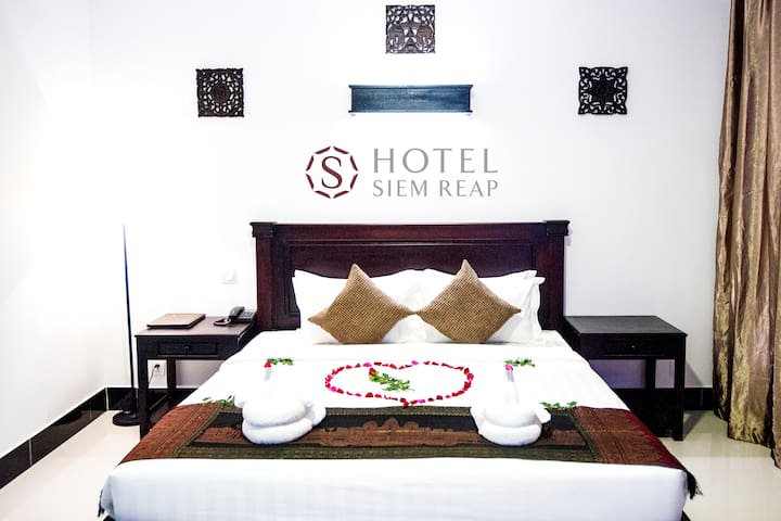 Deluxe Double Room (Free Breakfast+Pickup+WIFI) - Krong Siem Reap - Bed & Breakfast