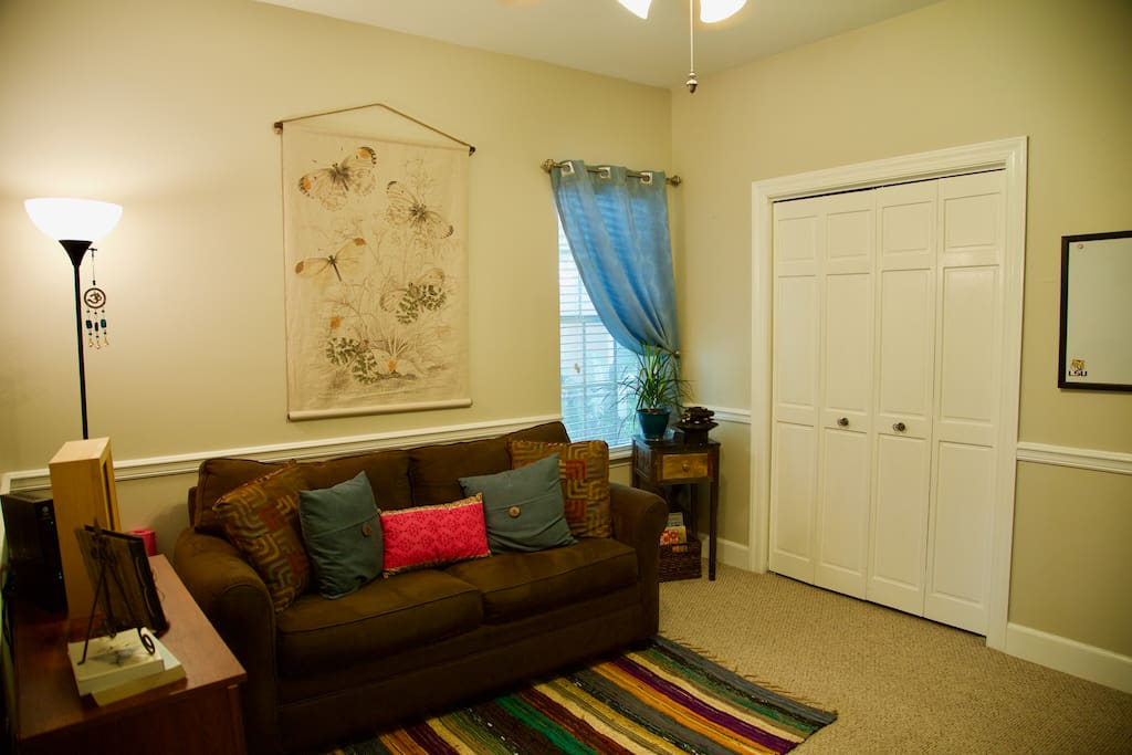 If using the Second bedroom as a meditation space: You are welcome enjoy the relaxing room if you'd like to practice during your stay, or just to sit and relax. My meditation room has two yoga mats, a meditation cushion, yoga blanket, and water-feature fountain.
