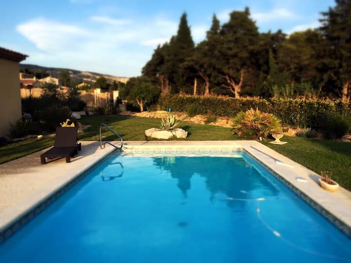 Provence: charming rooms (1 or 2)