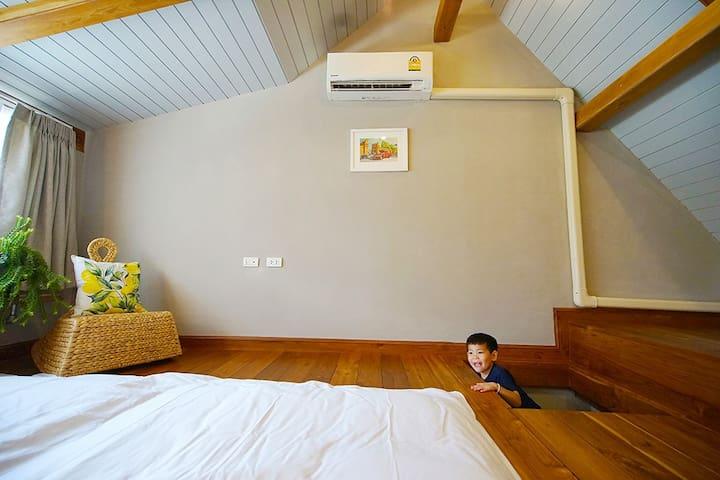 8 mins to ninman Rd/泳池花园酒店里的Cozy Family Loft/免费早餐