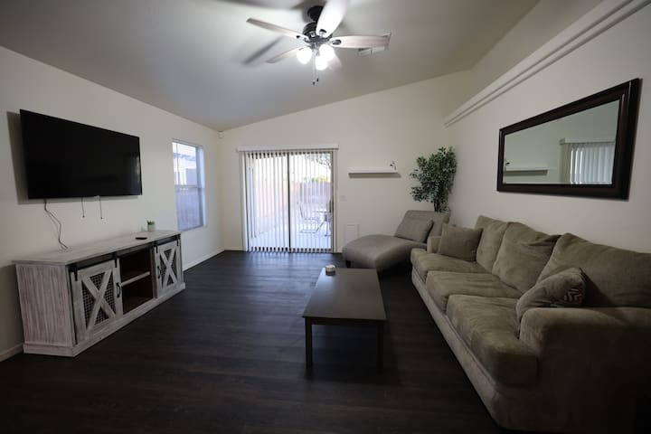 New!RemodeledHome|Westvalley|King Bed|3BR|2BA