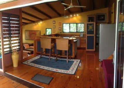 Tropical modern house in Tiwi - Tiwi - Talo