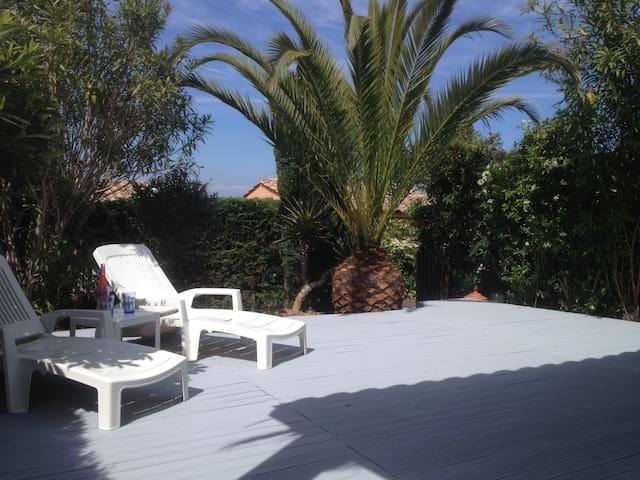 PETITE VILLA SANS VIS A VIS - Théoule-sur-Mer - Villa