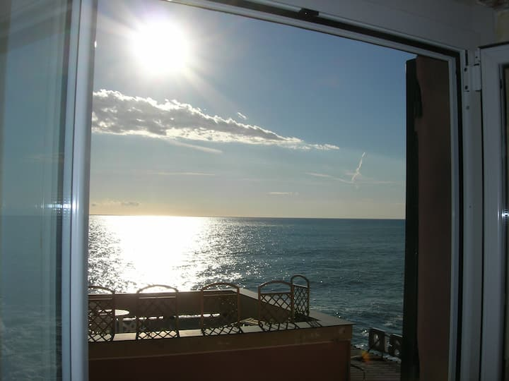 Romantic SeaView, 15mt from the sea 010025-LT-0724