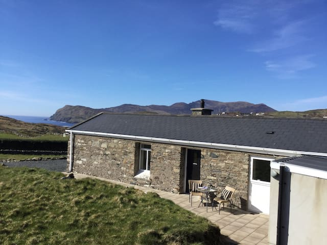 Restored Sheep Farmer's Cottage -Wild Atlantic Way