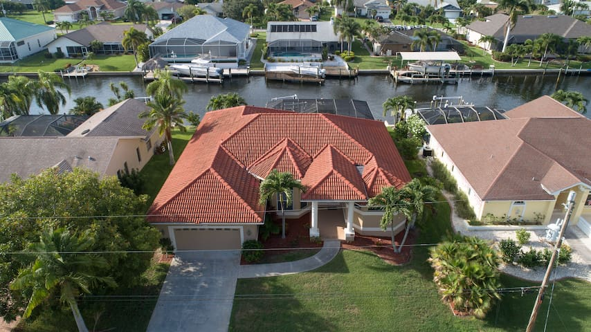 SW Cape w/front home - walk to marina/shops #1431
