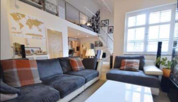 Cosy apartment with a friendly neighbourhood