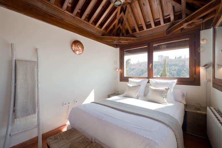 Habitación con terraza privada y vistas increíbles