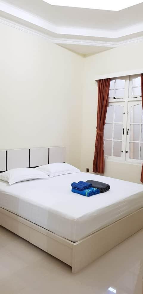 Guest House Anugerah Banjarmasin (King Bed)
