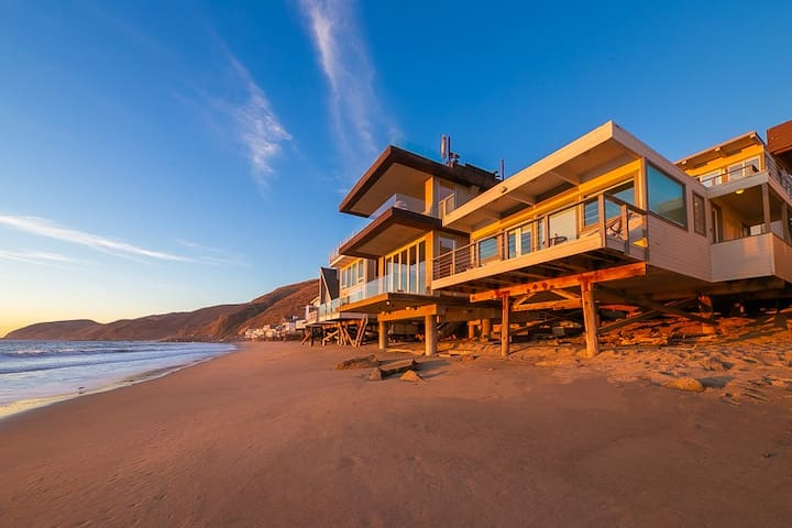 25% OFF FEB! Spectacular Oceanfront Malibu Home on Private Beach!