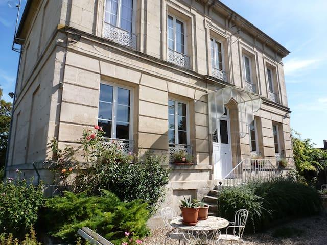 Maison familiale à la campagne - Balagny-sur-Thérain