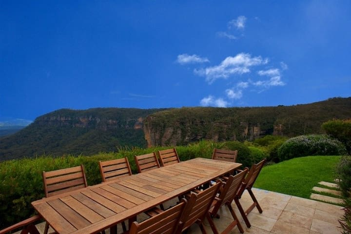 Omaroo Lodge - Luxury Accommodation - Katoomba - วิลล่า