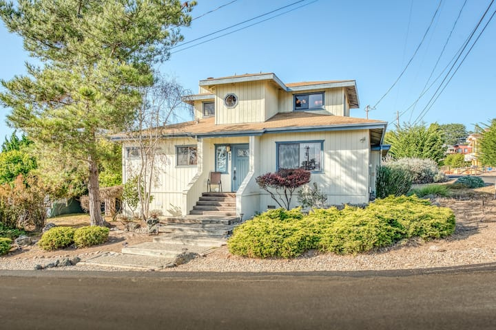 Stunning home in prime spot - just two blocks from Ocean!