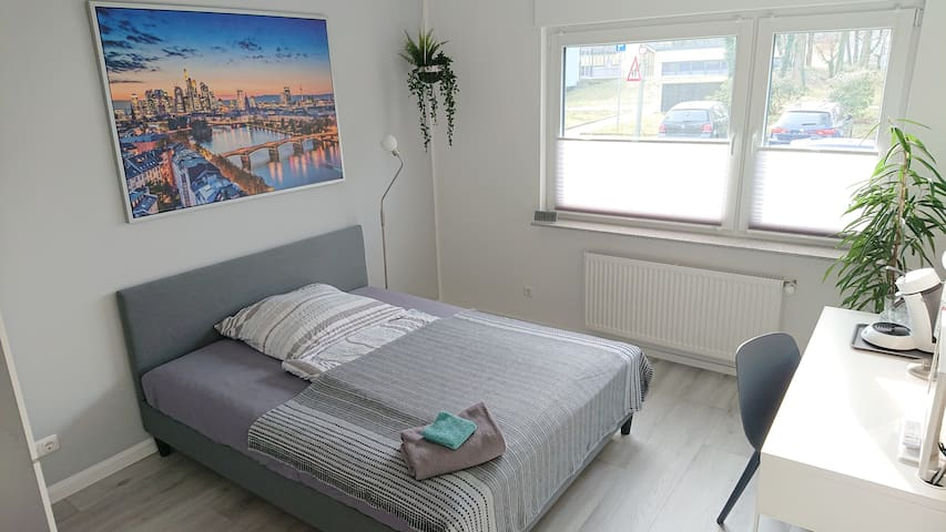 Small apartment at the park (close to the s-bahn)