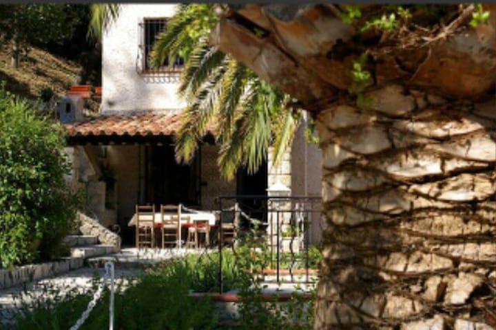 Villa au jolie panorama - Cabris