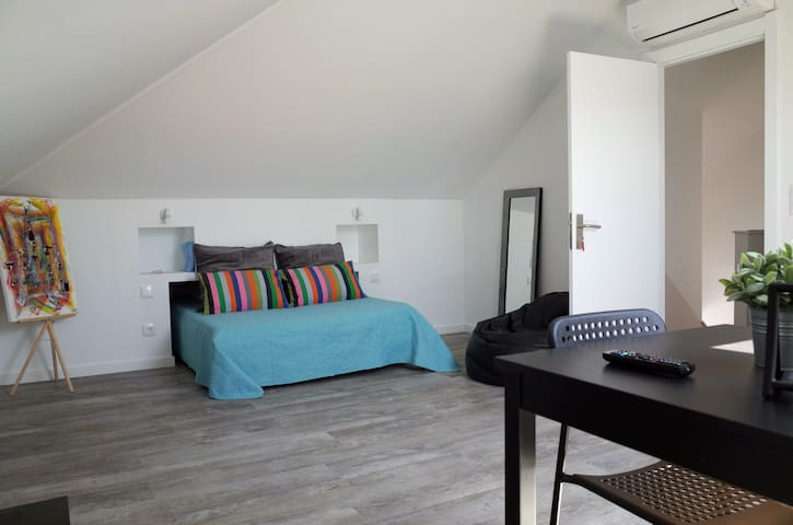 Lisbon Beach Apartments 6- wifi aire acondicionado