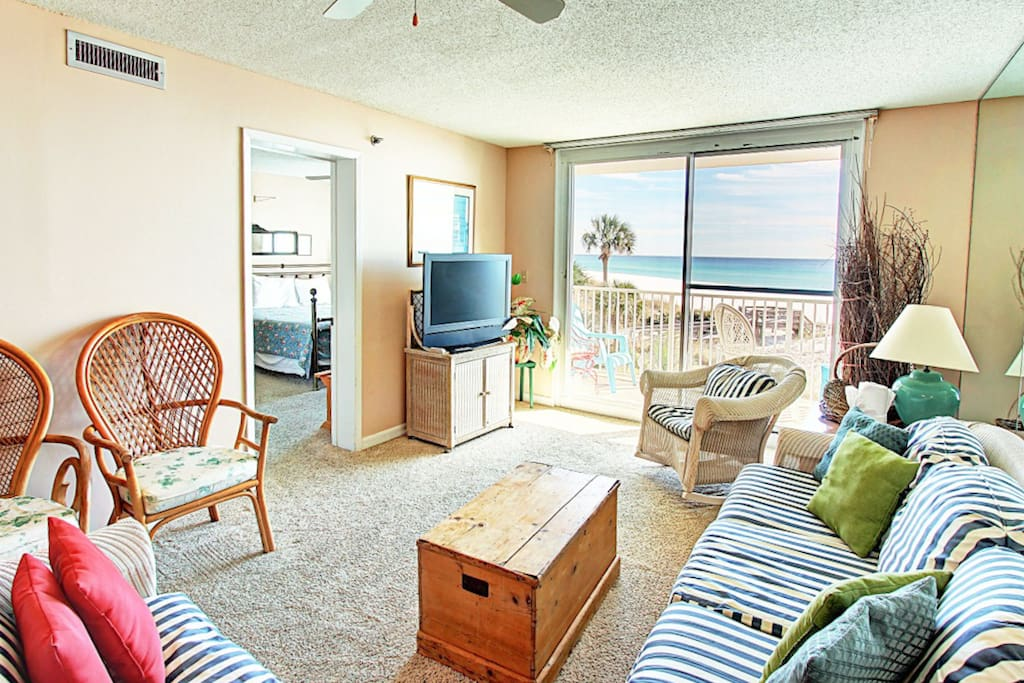 Living Room with Flatscreen TV and Views!