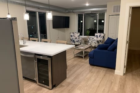 Penthouse Harbor View Suite in Downtown Duluth