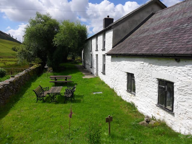 Dolgoch Bunkhouse - 4 bedded private room. - Tregaron - Vandrarhem