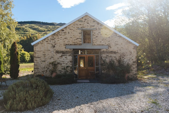 Kohinoor Inn B&B - Stone Barn (Single Booking)