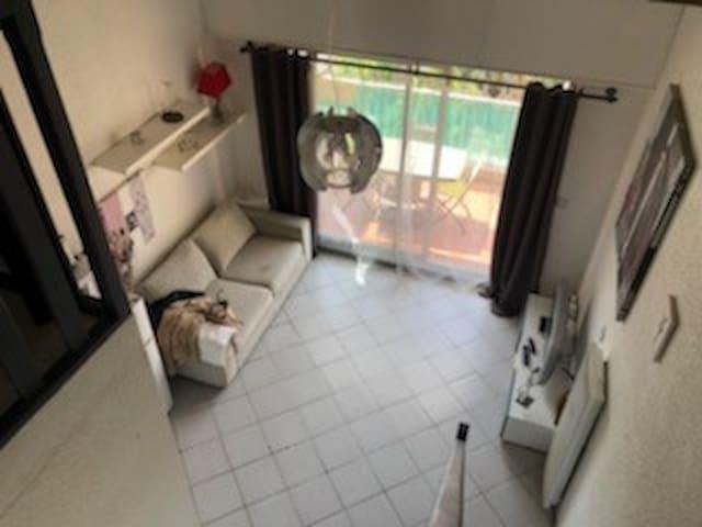 Appartement 300 m de la plage avec terrasse