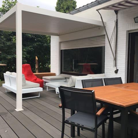 Belle chambre spacieuse 'Villa Liberta'