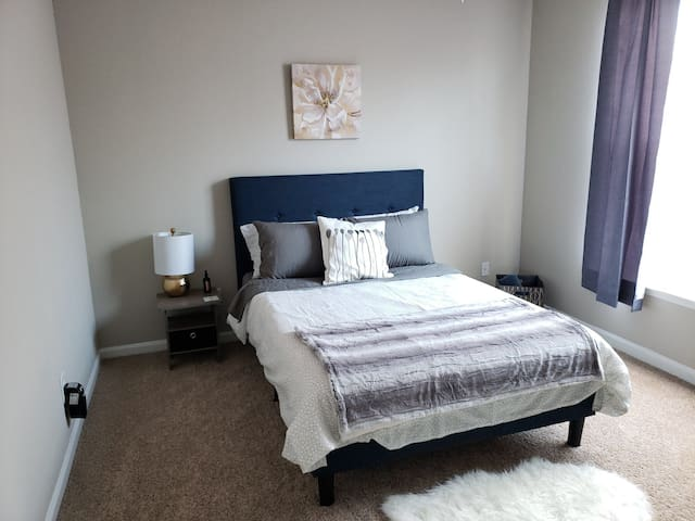 Private Bedroom/Shared Bathroom RDU/RTP/Weston #1